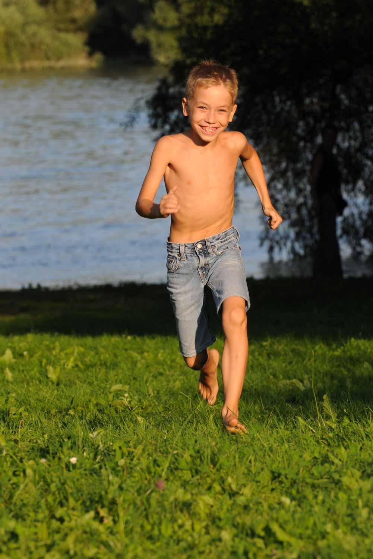Futó fiú © Hatlaczki Balázs